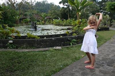 20110624TirttaGanga2